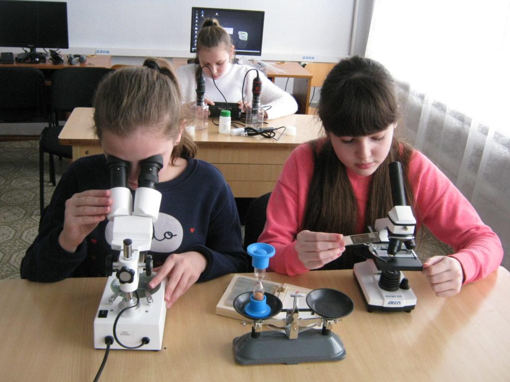 урок біології в школі